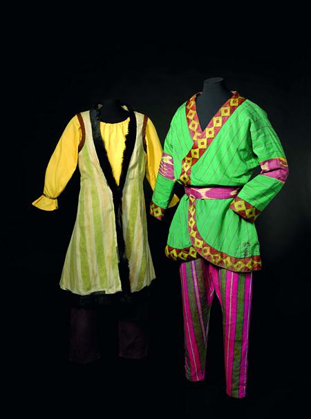 ニコライ・レーリヒ「ポロヴェツ人の少女」、「ポロヴェツ人の戦士」の衣裳(『イーゴリ公』の『ポロヴェツ人の踊り』より)1909-37年頃 オーストラリア国立美術館