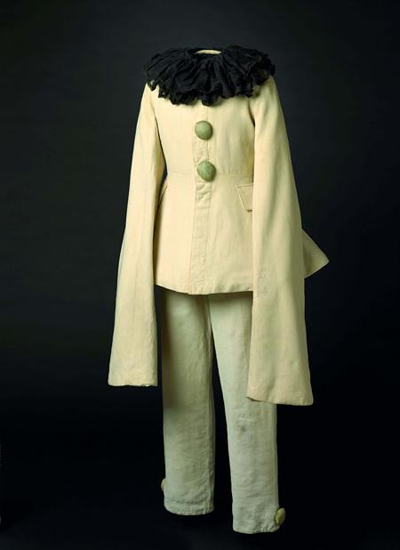 レオン・バクスト「ピエロ」の衣裳(『カルナヴァル』より)1910年頃 オーストラリア国立美術館