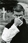 写真家・奈良原一高の『王国』を展示、修道院と女性刑務所の人々を捉えた87点を紹介