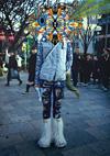清川あさみの新作個展『TOKYO モンスター』、90年代のストリート写真が素材の作品展示