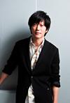 田辺誠一がアメリカの廃墟へ、即興芝居×ドキュメンタリーの『廃墟の休日』に出演