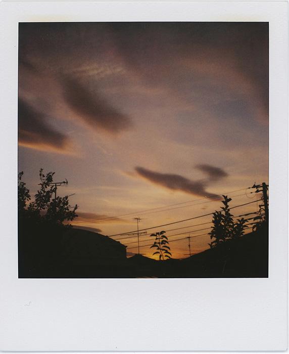荒木経惟作品 ©Nobuyoshi Araki 荒木経惟の個展『淫冬』、KaoRiを会場で撮影し