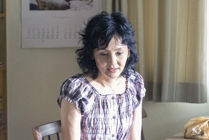 南果歩 News: 三浦友和が狂気の熱唱、死刑囚の家族描く映画『葛城事件』新
