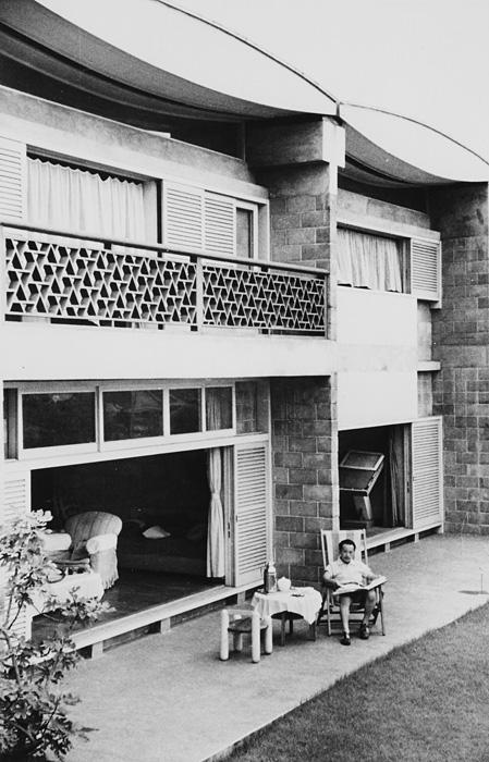 岡本太郎アトリエ兼住居 坂倉準三建築研究所 1954年