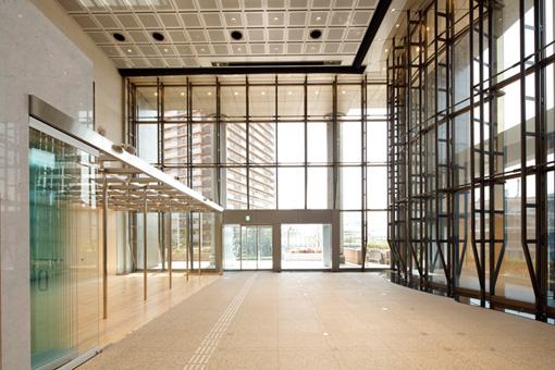 東京都写真美術館 2階ロビー