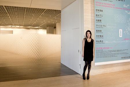 女優・桃生亜希子と行く! 『建築はどこにあるの?』展