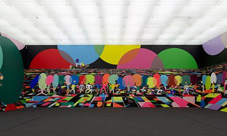 美術を揉みほぐす「大きな頭」ピーター・マクドナルド『訪問者』