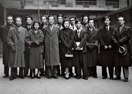 実験工房メンバー集合写真(撮影:大辻清司)1954年頃 東京パブリッシングハウス蔵