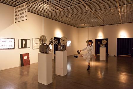 マルセル・ブロータース『シネマ・モデル』が展示された空間