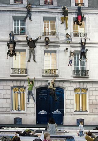 『住宅Ⅰ』2004 Courtesy of Leandro Erlich Studio