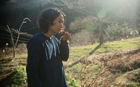 人口約20人の小さな村で暮らす高木正勝、「見えるもの」の発見