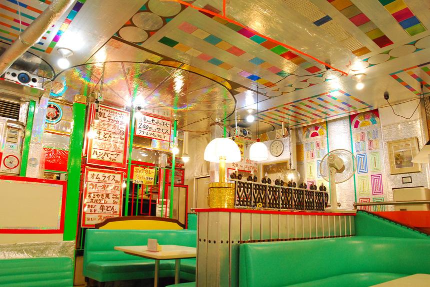 『あいちトリエンナーレ』で巡りたい喫茶店、酒場、宿泊ガイド