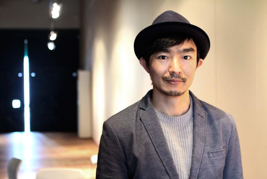 伊藤靖朗の移動参加型演劇が描く、人工知能が人を越える未来とは