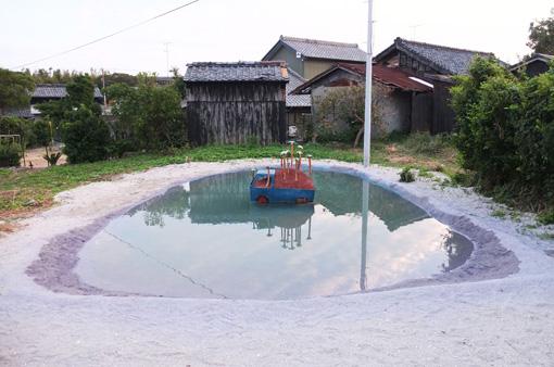 『空いろの島』2012年 展示風景、あいちトリエンナーレ プレイベント、愛知県佐久島