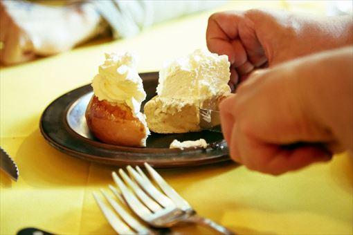「セムラ」 イースターのときに食べる特別なお菓子