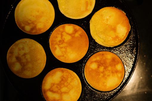 きれいに焼くコツはフライパンをしっかり熱し、バターをなじませること