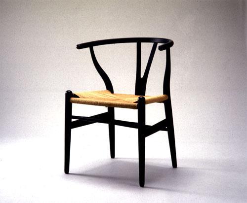 『Yチェア』(1950年)写真:2000年代初頭の製造 / 富山県美術館所蔵