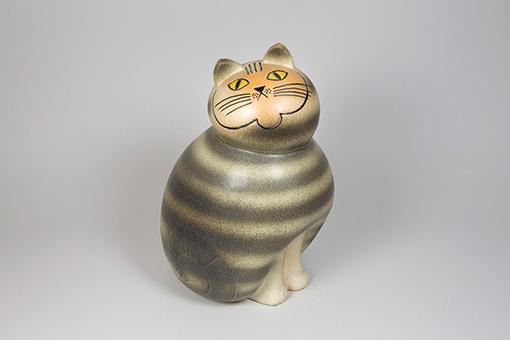 「ネコのミア(大きな動物園シリーズ)1990年(オリジナルは1966年) © Lisa Larson / Alvaro Campo