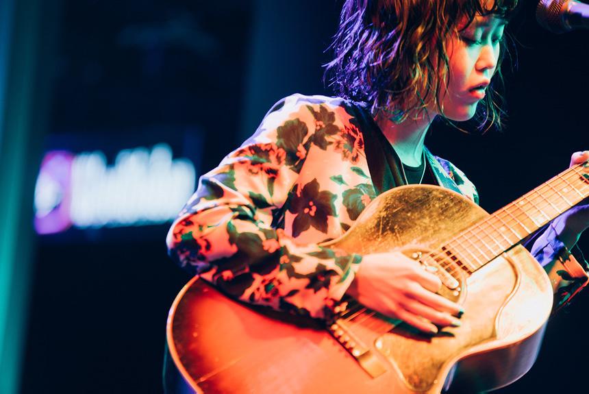 ギターが凄いだけではない。Reiが伝えるメッセージとアートへの愛