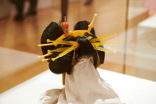 『結髪雛形 横兵庫』ポーラ文化研究所蔵