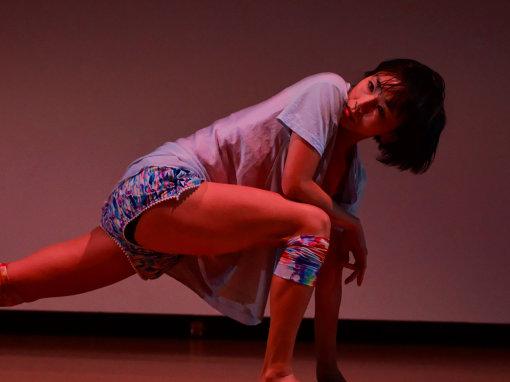『子ら子ら』横浜公演の様子(撮影:沼田学)