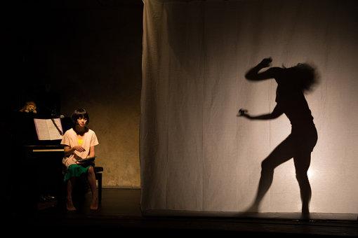 『子ら子ら』京都公演の様子(撮影:松本成弘)