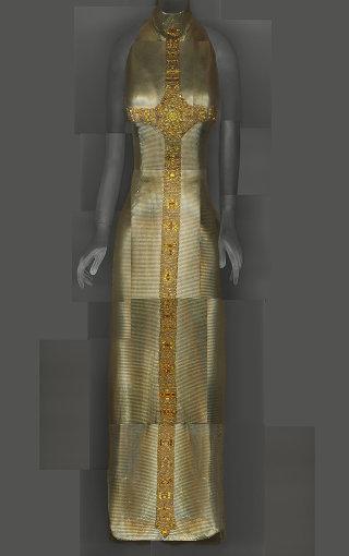 ジャンニ・ヴェルサーチのイブニングドレス Evening Dress, Gianni Versace,autumn/winter 1997–98; The Metropolitan Museum of Art, Gift of Donatella Versace, 1999 (1999.137.1) Image courtesy of The Metropolitan Museum of Art, Digital Composite Scan by Katerina Jebb