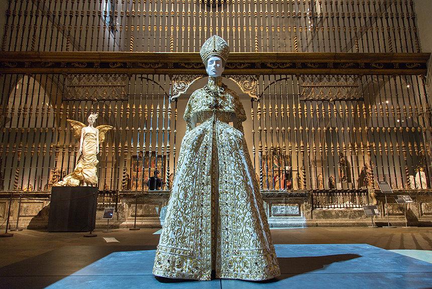 METガラも話題 メトロポリタン美術館で「宗教とファッション」探る展覧会