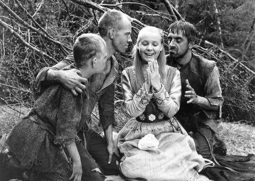 『処女の泉』© 1960 AB Svensk Filmindustr