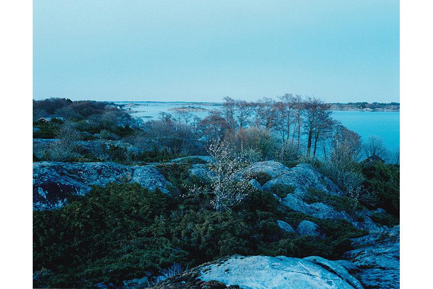 写真家・津田直が、フィンランドでの夏の体験を写真と文章で綴る