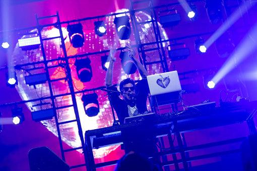 マーク・ロンソン。2018年12月17日開催『LIVE in JAPAN 2018 星野源×MARK RONSON』より / 撮影:Masanori Naruse