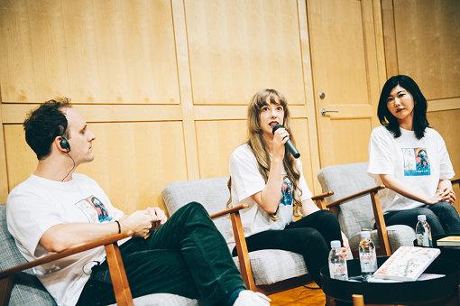 左から:キム・アンダーソン、オーサ・イェークストロム、たまきちひろ