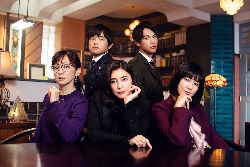 竹内結子主演、異色のリーガルドラマ『QUEEN』。監督は関和亮、音楽も注目