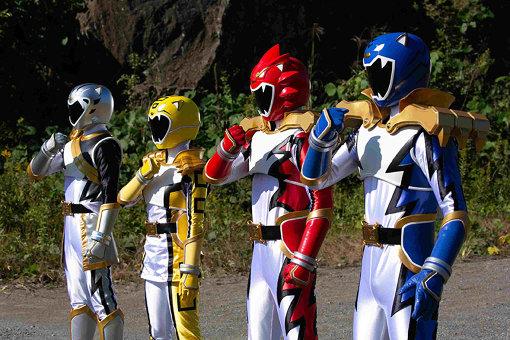 劇中には登場人物の心情とリンクして、叶と吉田が追いかけている特撮ドラマ『獅風怒闘ジュウショウワン』のシーンが展開される