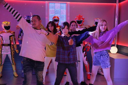 左から美少女アニメオタの任侠さん、特撮オタの吉田さん、叶、アイドルオタクの北代さん、みやびさん