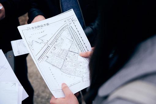 ところどころ当時の地図から変わらずに現存する家屋が見受けられた