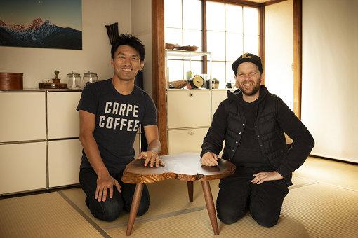 左から:唐川靖弘と、ルーカス・B.B.さん