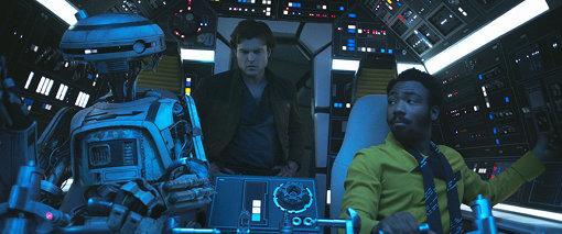 『ハン・ソロ/スター・ウォーズ・ストーリー』に登場するL3-37。フィービー・ウォーラー=ブリッジは声だけでなく、実際にコスチュームを着て動きを演じた ©2018 Lucasfilm Ltd. All Rights Reserved.