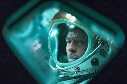 『アド・アストラ』でブラッド・ピットは父親を探しに太陽系の彼方に旅立つ、孤独なエリート宇宙飛行士を演じる © 2019 Twentieth Century Fox Film Corporation