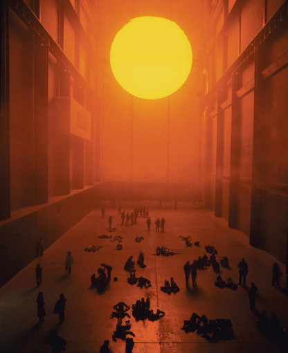 『ウェザー・プロジェクト』(2003年)Installation view: Tate Modern, London, 2003 / Courtesy of the artist; neugerriemschneider, Berlin; Tanya Bonakdar Gallery, New York / Los Angeles Photo: Andrew Dunkley & Marcus Leith © 2003 Olafur Eliasson
