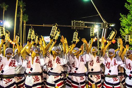 徳島市の阿波おどりは毎年100万人以上の観光客が訪れる、徳島の観光産業の中軸を担う大イベント。全国各地の阿波おどりも中止となった / 撮影:大石慶子