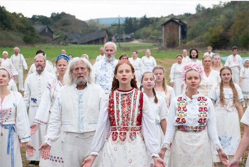 『ミッドサマー』はなぜこんなに怖いのか?幸せな村人たちの狂気