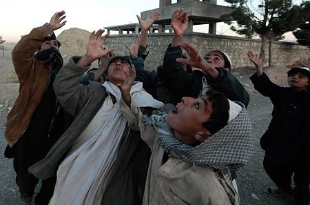 ゾーラ・ベンセムラ『アフガニスタン』 2009年 61×85cm Cプリント ©REUTERS/Zohra Bensemra / Deutsche Bank Collection