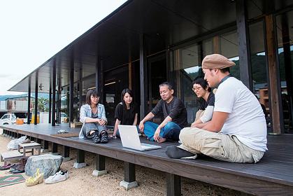 バスアーキテクツ《えんがわオフィス》 Photo: TAJIRI Teruhisa