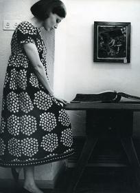 ドレス『カトリッリ』 ファブリック『プケッティ』(ブーケ)、服飾・図案デザイン:アンニカ・リマラ、1964 年 Design Museum Archive / Photo: Seppo Saves