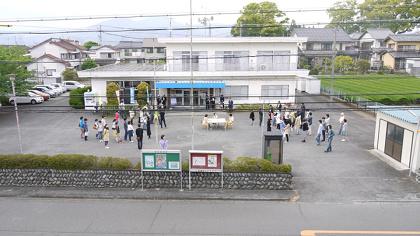 株式会社大と小とレフ『SPAC-静岡県舞台芸術センター「例えば朝9時には誰がルーム51の角を曲がってくるかを知っていたとする」』2015