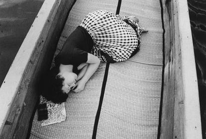 荒木経惟『センチメンタルな旅』 1971年(2015年プリント)© Nobuyoshi Araki, Courtesy of Taka Ishii Gallery, Tokyo