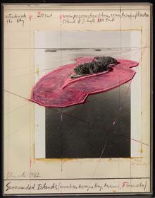 クリスト『囲まれた島々、フロリダ州マイアミ、ビスケーン湾のプロジェクト』1982年、中原佑介コレクション