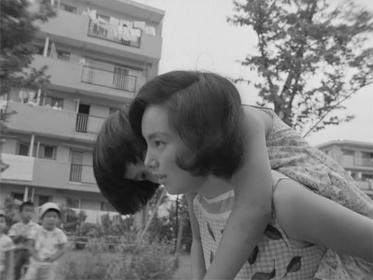 『彼女と彼』 写真提供:岩波映像株式会社