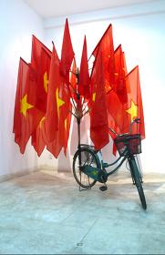 『愛国心のインフラⅠ』2009 Courtesy of Elizabeth Leach Gallery, Portland